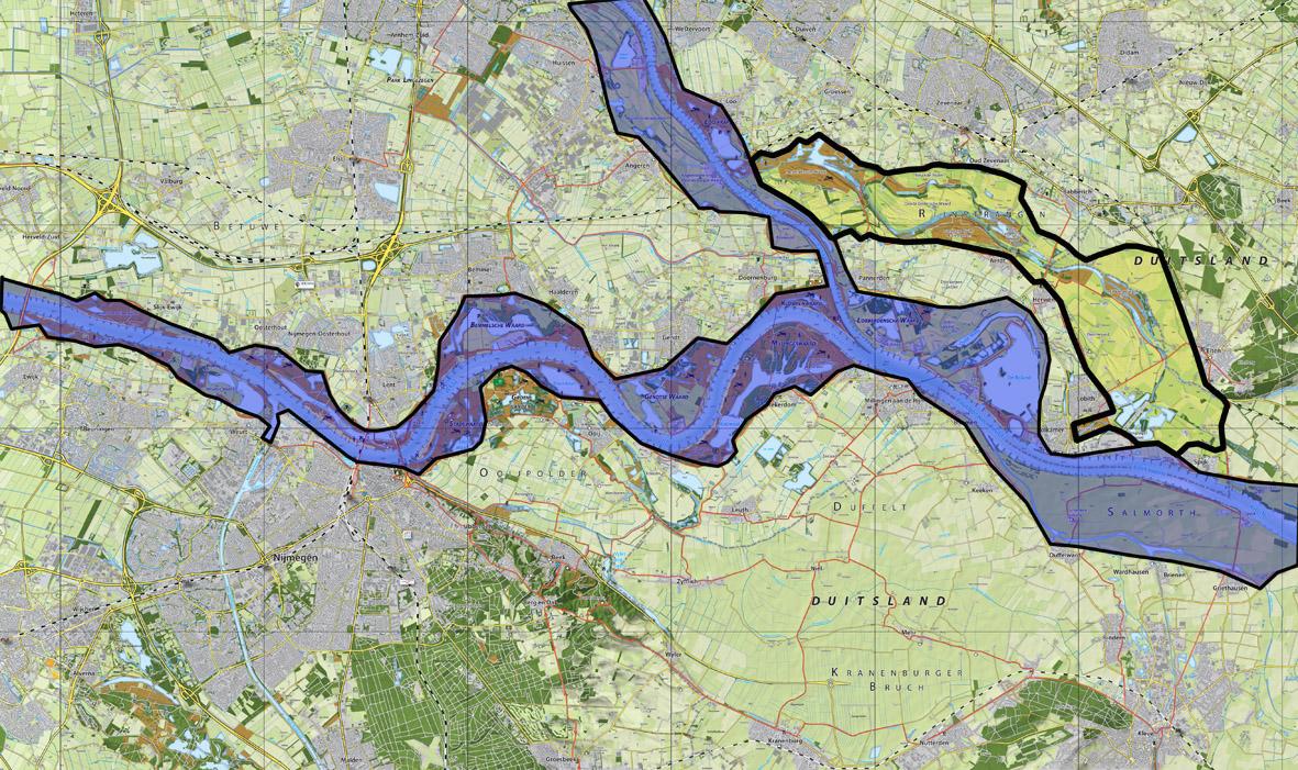Het stroomgebied van de Bovenrijn, Waal en Pannerdensch kanaal, met (binnen de zwarte contour) het Rijnstrangengebied,