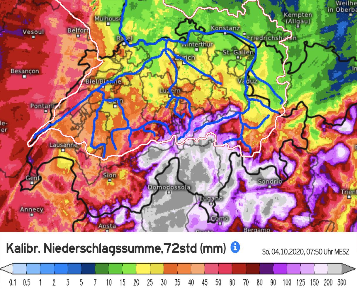 Neerslagkaart Zwitserland waarin de extreme regenval aan de zuidkant van de Alpen goed zichtbaar is. De regen bereikte echter ook de noordkant van de Alpen en dit water is nu onderweg in de Rijn (bron: Kachelmannwetter.com).
