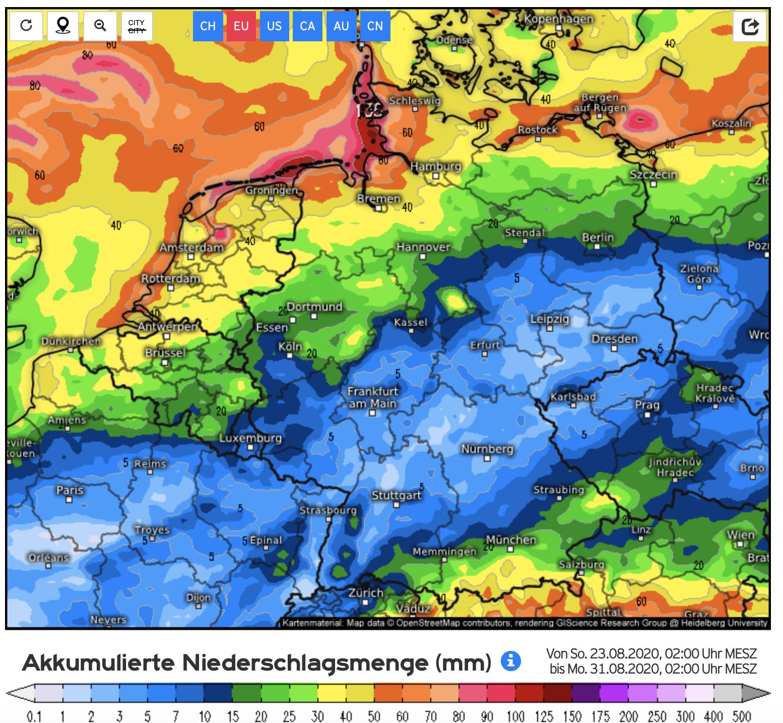Neerslagverwachting voor de komende 7 dagen voor Nederland en de stroomgebieden van Rijn en Maas. Het kenmerkende patroon met een brede droge zone over Noordoost-Frankrijk, Wallonië en een groot deel van Midden Duitsland is weer terug.